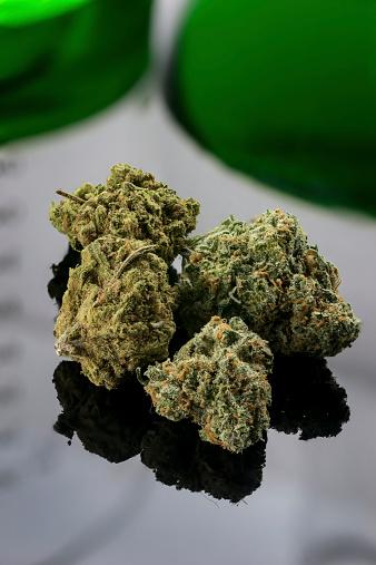 Cannabis nelle farmacie. Sifap: serve guida per uniformare preparazioni
