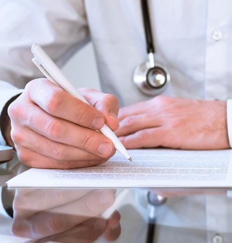 Medico anti-vaccini radiato dall'Ordine di Milano