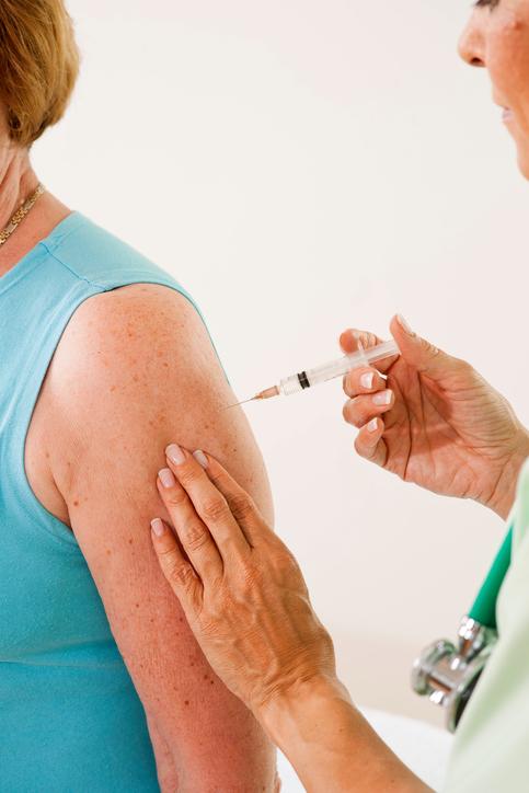 Obbligo vaccinale, passo indietro della Regione Puglia
