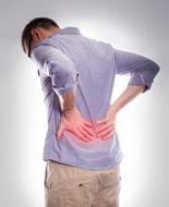 Mal schiena, da medici Usa raccomandazioni su farmaci e terapie alternative